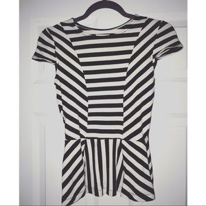 Black and white peplum short sleeve top